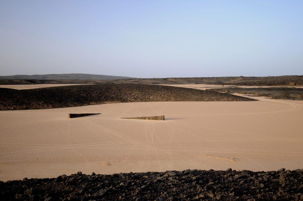 01. 2 Rising Lines, Al Haruj Al Aswad, Libya